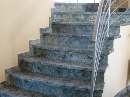 Scale interne in granito la paltenghi - Granito per scale ...
